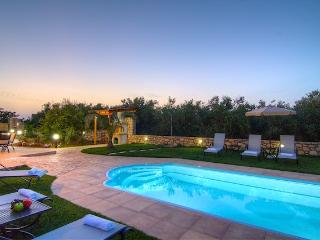 GREEN PARADISE   Luxury villa in Rethymno - Crete