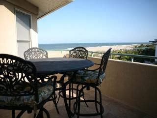 Sail Away at the Desoto unit 306 - prices listed may not be accurate, Tybee Island