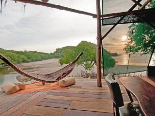 A Beachfront Asian Style Treehouse, Playa Gigante