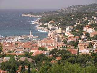 First Class Condo Gorgeous Ocean View in Provence, Cassis