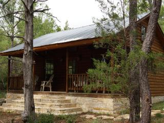 Piney Woods Cabin, La Grange