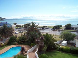 17 Van Riebeeck Apartment, Gordon's Bay