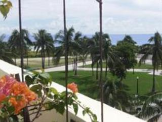 UPDATED Gorgeous Penthouse on Ocean Drive in South Beach- slps 6-8