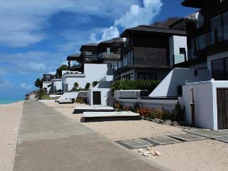 Stingray 4 Bedroom at Tamarind Hills, Antigua - Oceanfront, Pool, Bolans