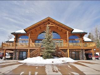 Beautiful, Spacious Log Home on Trail's Edge - Pool Table, Ping Pong, Poker & Darts (8130), Steamboat Springs