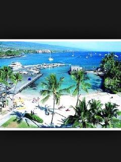 View of Kailua Kona coast. King Kamehameha beach