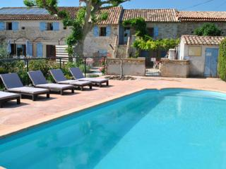 Provence Le Mas des Oliviers the Lavandes Gîte, sleeps 7. pool and spa 6 places, Richerenches