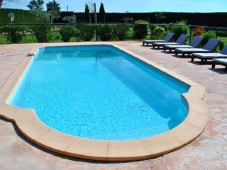 Provence Le Mas des Oliviers the Lavandes Gîte, sleeps 7. pool and spa 6 places