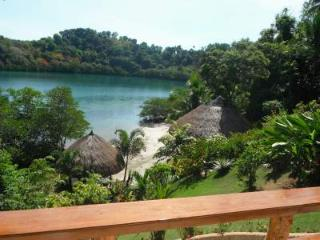 2 Bedroom Luxury Villa and Beach In Puerto Galera