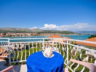 Apartments and Rooms Villa Jadran - 42081-A2, Trogir