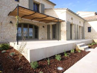 Mas du Temple - new villa in Garrigues