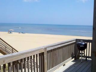 Awesome 3BR 1BA Oceanfront Duplex in S. Nags Head