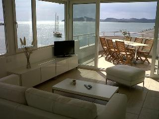 Exclusive penthouse(s) directly at sea and near Bodrum!