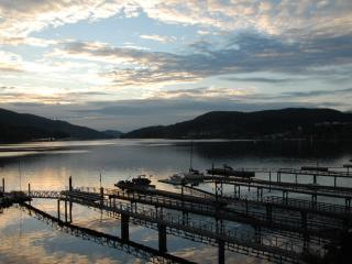Beach House-3 BR Oceanfront Getaway -Private Beach, Port Moody