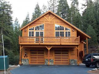 Beautiful Tahoe Donner 5 BR, 4 BA Home Sleeps 14!