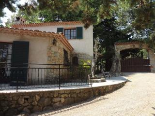 Caretakers cottage in Tourrettes sur Loup
