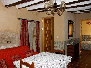 Casa Rural Cueva con Jacuzzi Paraíso del Júcar, Alcala del Jucar