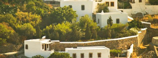 Soultana House and Kalikatsou Studio
