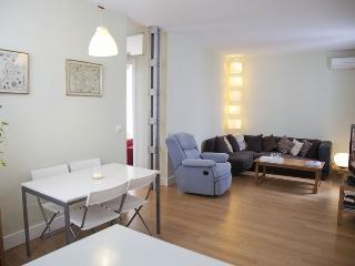 APARTMENT VERY CENTRAL AND SPACIOUS DON PEDRO NIÑO, Sevilla