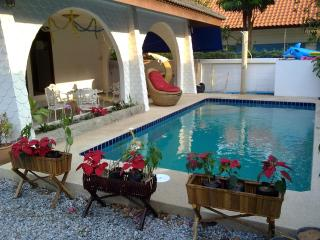 GRAND CONDOTEL VILLA ROSE WITH PRIVATE POOL
