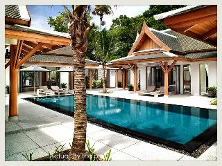 Fifthelement Boutique Villa/Staff/Car/Wi-fi/Beach, Phuket