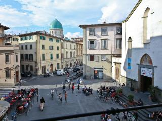 Sant'Ambrogio - Farmer's Market 2 bedroom Apartment