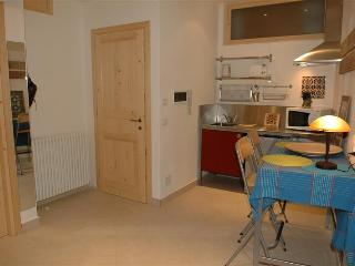 Holiday rental Porlezza - Ground floor (sleeps 2)