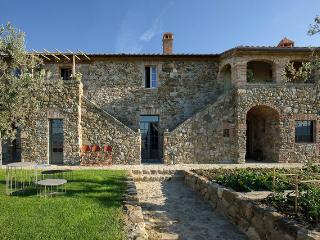 Luxurious Tuscany Villa, incredible view of Val d' Orcia, private pool, Contignano