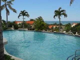 Ocean View 2 bed room Vacation Apartment in Resort