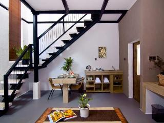 SAKAWESI, Stunning Duplex Pavilions