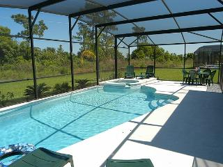 5 Bed/3.5 Bath-Pool/Spa-Luxury near Disney/Univers, Orlando