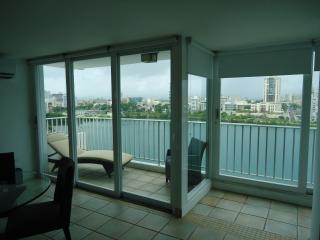 Condado Great Location !!!!