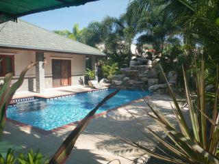 Mountain Beach Executive Pool Villa Pranburi South of Hau Hin