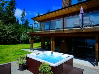 Ocean Point House - Points West Oceanfront Resort, Sooke