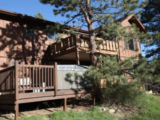 An Estes Park Beauty! Spacious W/Private Hot Tub!!