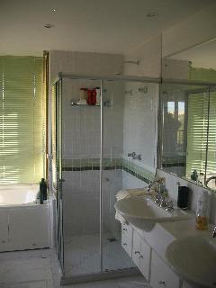 Master bedroom bathroom