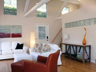 Light Filled Sanctuary -1bd/Loft Montecito!, Santa Barbara