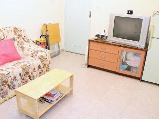 2 Bedroom Rental at Ladies Market in Mong Kok, Hon