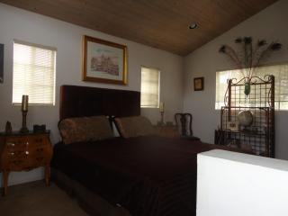 AAAA  BEST QUALITY N VALUE  PRIVATE TWO STORY 1 BDRM HOME
