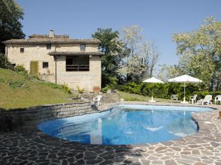 Casa Dorato house and pool