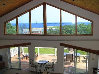 Annetti's Watch: Ocean views, central A/C & 0.5 mi to beach, Rockport