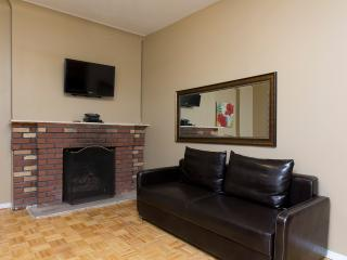 Sleeps 5! 2 Bed/1 Bath Apartment, Times Square, Awesome! (8249)
