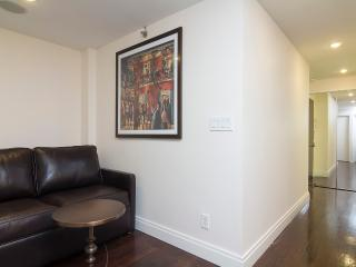 Sleeps 5! 2 Bed/1 Bath Apartment, Midtown East, Awesome! (8333)
