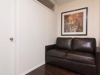 Sleeps 5! 2 Bed/1 Bath Apartment, Midtown East, Awesome! (8337)