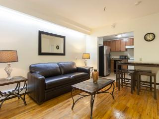 Sleeps 5! 2 Bed/1 Bath Apartment, Midtown East, Awesome! (8410)