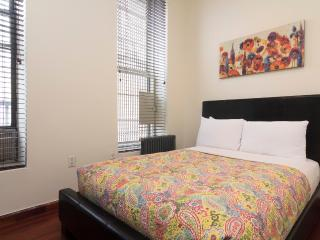 Sleeps 4! 2 Bed/1 Bath Apartment, Times Square, Awesome! (8463)