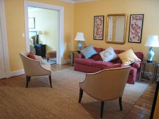 Large 1BR in DuPont Circle; two-block walk to Metro; Patio, Washington DC