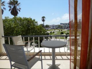 Estoril Studio com varanda-oceano & vista jardim