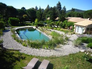 Apartment Standard 3* for 2 in a villa at Grimaud