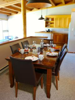 Enjoy a home cooked meal with plenty of seating!